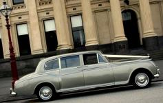 The Bella - 1961 Rolls Royce Phantom V 1961 - 8 Pax,