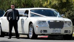 Chrysler 300c Stretch Limousine White,