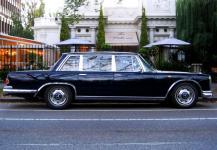 Mercedes MB600 Grosser - 4 pax, Service Limousine